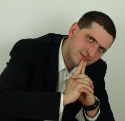 dr Paweł Krzyworączka